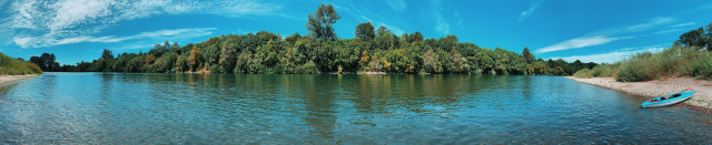 Willamette River panorama with a kayak at the far right